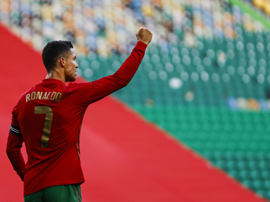 Криштиану Роналду является одним из главных рекордсменов в футболе