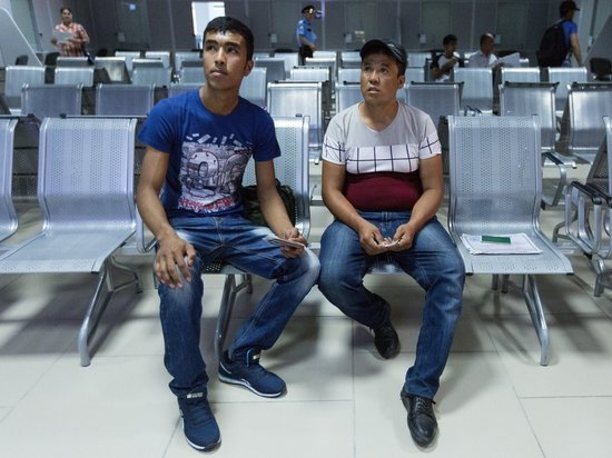 Миграционные центры штурмовали тысячи иностранцев