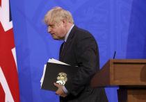 Власти Великобритании объявили о продлении ограничений по COVID-19 до 19 июля на фоне резкого роста числа новых случаев заражения индийским вариантом коронавируса, более известным как «Дельта»