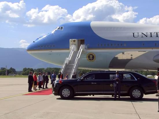 Самолет президента США Джо Байдена приземлился в Женеве, где в среду у него пройдет встреча с российским лидером Владимиром Путиным