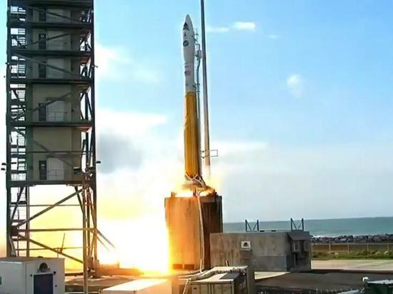 США вывели в космос три секретных разведывательных спутника