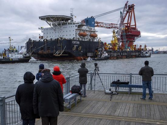 Смирившись с тем, что российский экспортный газопровод «Северный поток - 2» в обход Украины все-таки будет построен, Киев перешел к попыткам извлечь выгоду из проекта, в который не вложила ни копейки