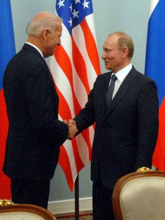 МИД России опубликовал фотографию комнаты переговоров Путина и Байдена
