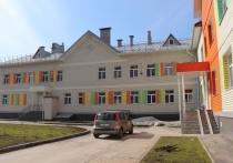 В квартале 2009 на улице Сергея Ускова стартовало комплектование детьми двух новых детских садов.