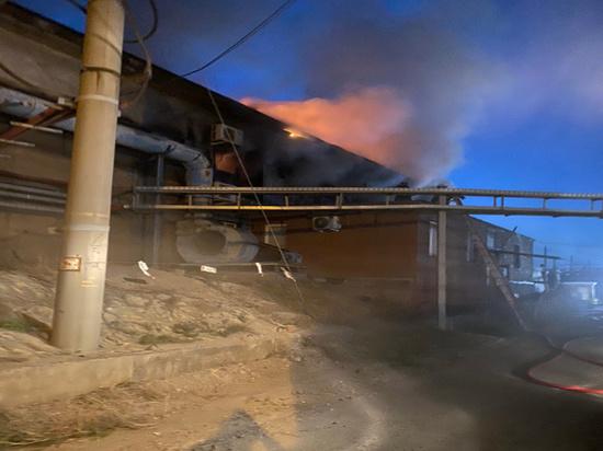 В Новотроицке на заводе случился серьезный пожар