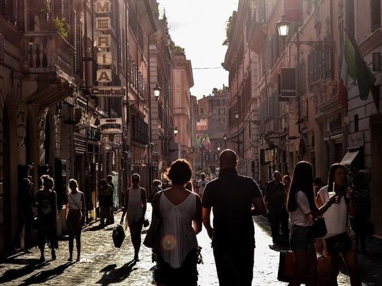 Евросоюз начнет принимать туристов из США с 27 июня