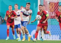 Сборная России разгромно уступила Бельгии в стартовом матче чемпионата Европы 2020 года,. Теперь для выхода из группы необходимо набирать не менее 3 очков, чтобы претендовать на выход в плей-офф турнира. Наши и до этого проигрывали в дебютных играх чемпионатов мира и Европы, но не всегда все заканчивалось крахом. Впрочем, были и крутые победы, после которых наступал мрак.