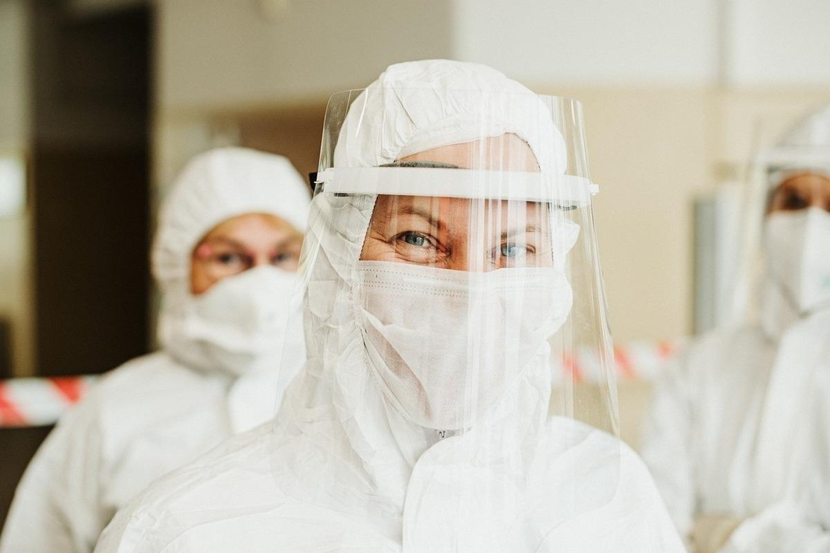 «Московский штамм коронавируса» глазами медиков: чаще болеют семьями