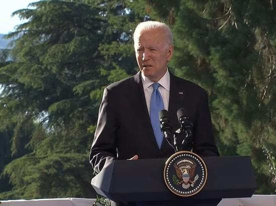 Президент США Джо Байден в ходе своей кресс-конференции по итогам саммита с российским лидером Владимиром Путиным допустил несколько незначительных ошибок, которые тем не менее не ускользнули от внимания журналистов и миллионов телезрителей