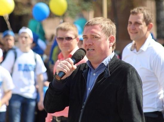 «Славка, здорово, братан»: челябинский депутат объяснил конфуз во время заседания