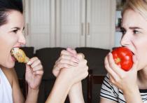 Казалось бы, в наше время, когда к услугам людей масса кафе и кулинарий с доставкой горячей еды на дом, питание не может стать яблоком раздора в семье