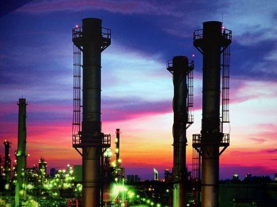Нефть и драгметаллы начали падать в цене после заявлений по Ирану