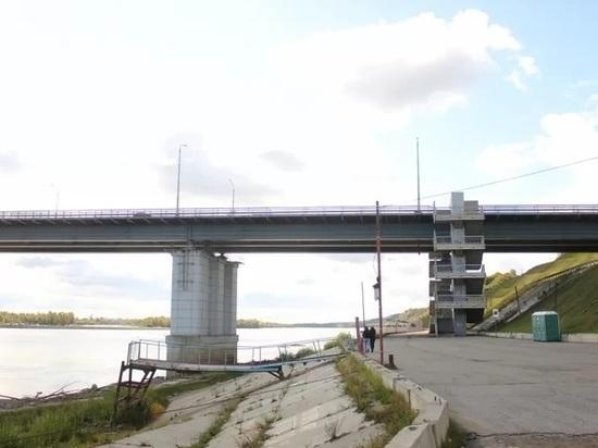 Женщина выжила, упав в Обь с Нового моста в Барнауле