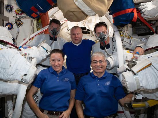Космическое агентство ОАЭ назвало отличия между подготовкой космонавтов РФ и астронавтов США