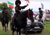 В селе Беной Чеченской республики завершился ежегодный фестиваль народного творчества «Беноевская весна», куда съехались не только местные жители, но и гости с других регионов России