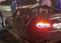В Челябинске две иномарки вылетели с дороги и застряли на трамвайных путях