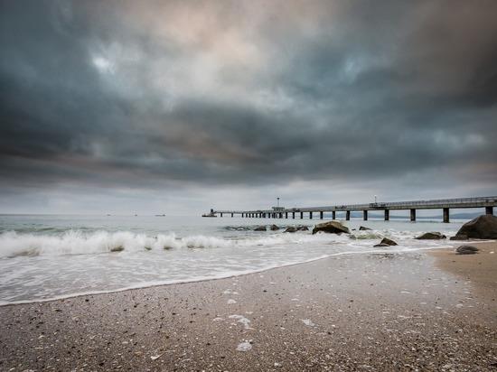 В Абхазии вторые сутки ищут тело утонувшего в море челябинца