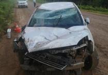 В Кировской области перевернулся автомобиль. Трое пострадавших