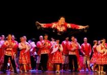 Встретившись на сцене ДК «Аркадия» вбольшомсовместном«Концертедружбы»,коллективыАстраханского государственного ансамбля песни и танца и заслуженного государственного академического ансамбля песни и танца «Донбасс»разъехались по гастролям