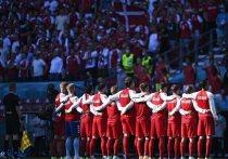 Датская сборная не набрала ни одного очка после двух туров группового этапа Евро-2020. После обескураживающего, и, во многом, нелепого поражения от финнов (0:1), сборная Дании упустила победу в матче с Бельгией (1:2). Выход из группы будет решаться в последнем туре в матче с россиянами. «МК-Спорт» расскажет, как в Дании обсуждают будущий матч против России.