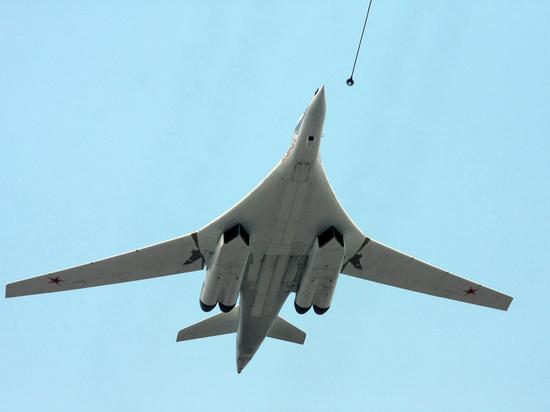 Российская авиация не подпустила самолеты нескольких стран НАТО к своим бомбардировщикам Ту-160 во время полета над Балтийским морем, выставив действия западного альянса на «посмешище», пишут аналитики китайского издания Sohu