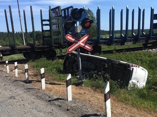 Фургон «Мерседес Спринтер» врезался в грузовой поезд в Карелии