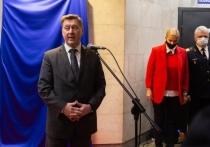 В пятницу, 18 июня, во время online-встречи с представителями СМИ мэр Новосибирска Анатолий Локоть призвал жителей отказаться от покупок товаров на уличных точках