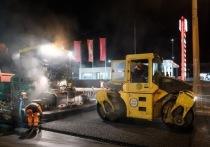 В Астрахани начали асфальтировать дорогу на улице Максаковой