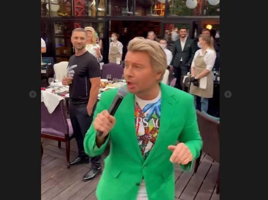 Звезды шоу-бизнеса без масок собрались на 45-летии Галкина
