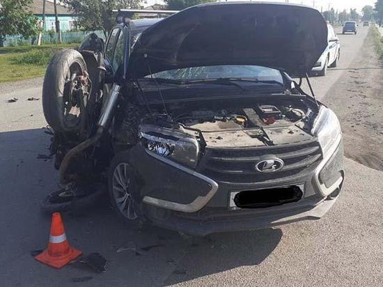 В Хакасии серьезные травмы в ДТП получил мотоциклист