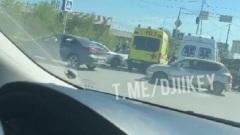 На ДТП в Якутске «Lexus-570» свалил «скорую помощь»