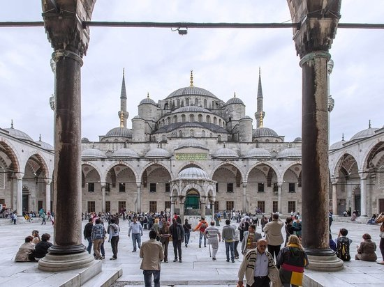 Российские туристы снова могут летать в Турцию