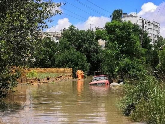 В затопленном Крыму объявили штормовое предупреждение