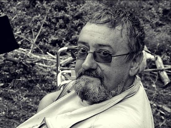 Советский и российский актер и художник-постановщик Феликс Ростоцкий умер на 73-м году жизни, сообщается на Facebook-странице Фонда Ростоцких