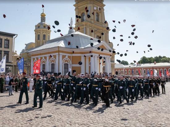 Российская армия получила пополнение из десяти тысяч лейтенантов
