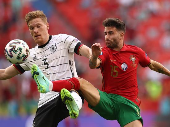 Германия выиграла на своем поле и вернула себе шансы на плей-офф