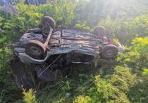 На кировской трассе перевернулся ваз: один человек погиб