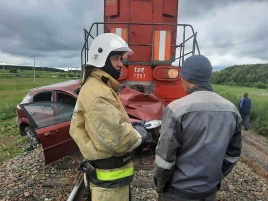 На Алтае два человека погибли в результате ДТП с грузовым поездом