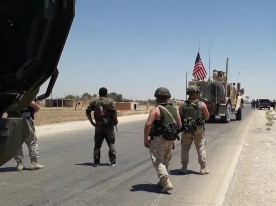 Российские военнослужащие в Сирии блокировали колонну армии США и вынудили ее развернуться и сменить курс