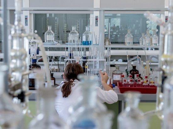 В преддверии массовой вакцинации некоторые коммерческие лаборатории подсуетились и уже вывесили на своих сайтах весьма привлекательные объявления: за примерно 10 тысяч готовы проверить и выдать справку о наличии Т-клеточного иммунитета