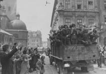 Красная армия, отступая под напором частей вермахта, покинула Львов в ночь на 30 июня 1941 года