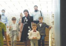 Эксперт оценил идею Кузнецовой о «декретных» выплатах бабушкам и дедушкам