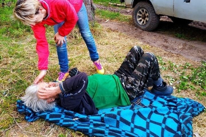 Костромские спасатели нашли пропавшего мужчину живым после недели поисков