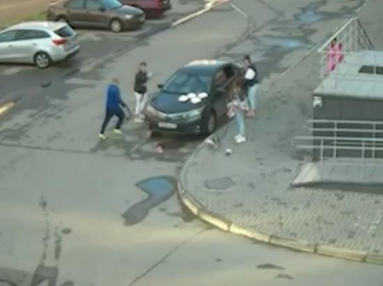 В Челябинске продолжается разбирательство по инциденту с нападением жителя одного из многоэтажных домов на четырех девушек