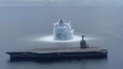 Военные США испытали авианосец взрывом 18-тонной бомбы: видео