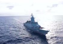 Тихоокеанский флот России впервые в новейшей истории провел масштабное учение в центральной части Тихого океана, вблизи непотопляемого авианосца США — Гавайев