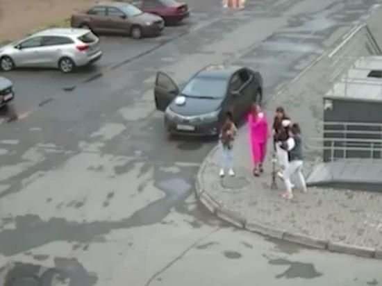 Житель Челябинска, которого четыре девушки обвинили в нападении во дворе жилого дома, написал встречное заявление в полицию