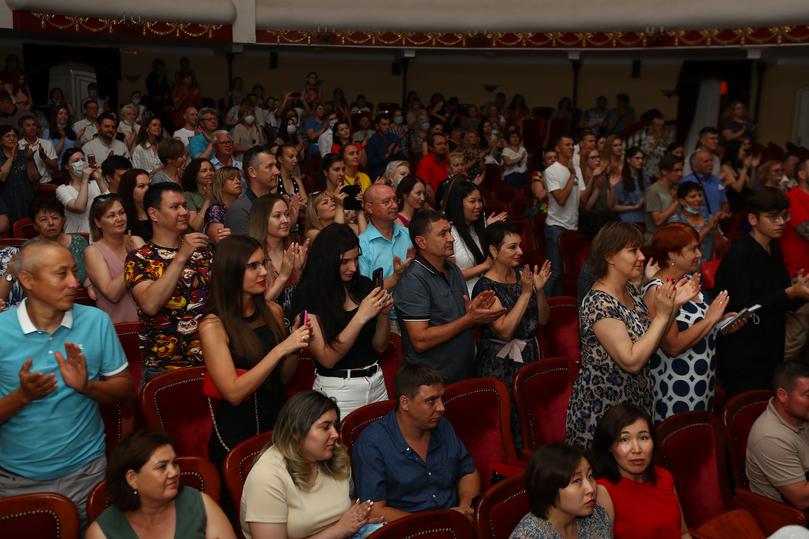 Во время гастролей в Астрахани фурор произвел псковский театр , фото-4