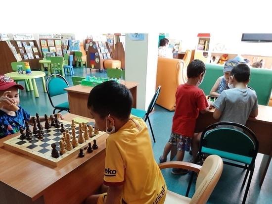 Дети из лагеря Калмыкии посетили национальную библиотеку