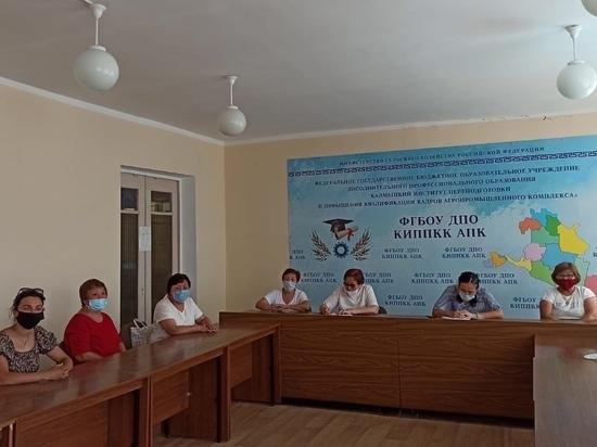 Пожилые люди Калмыкии прошли курсы по компьютерной грамотности